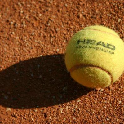 Erwachsenen Tennis